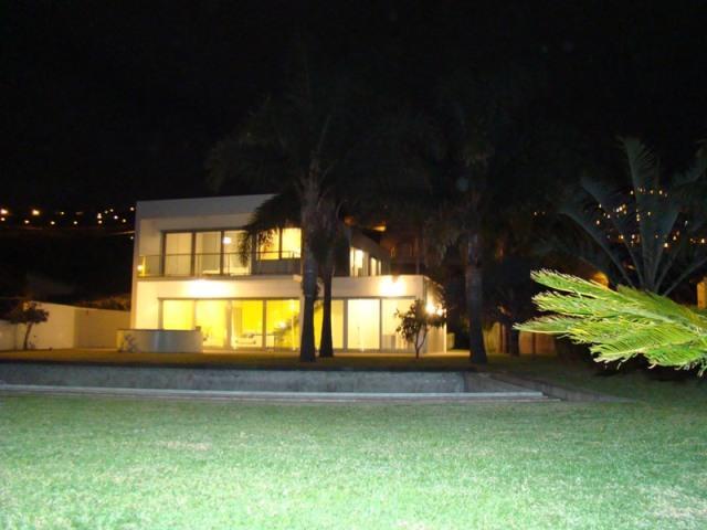 Modern House in Câmara Lobos