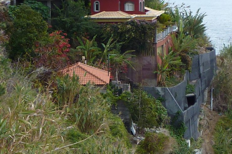 Development land on the coast in Calheta