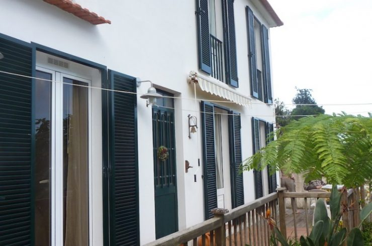 Detached private house in peaceful Arco de Sao Jorges